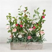 Композиция из роз с камелией в бетоне (искусственная) Альсид