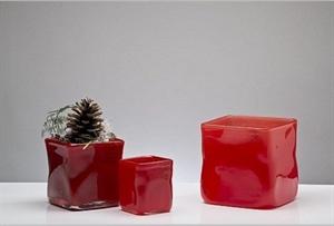 Ваза стеклянная Куб L19 W19 H19 см красная